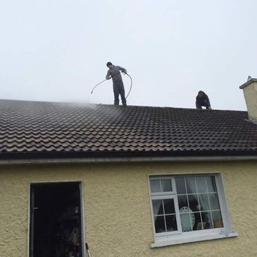 Roof Power Washing by CGM